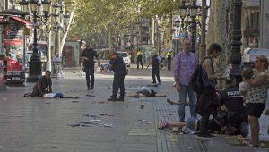 """Brasileira relata desespero com atropelamento em Barcelona: """"maré de gente caindo"""""""