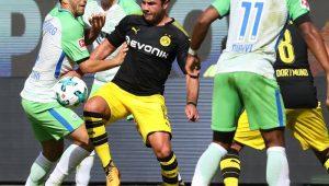 Com volta de Götze, Borussia Dortmund faz 3 no Wolfsburg em estreia no Alemão