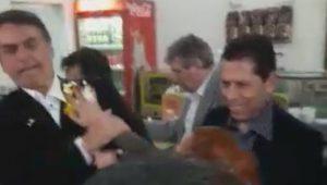 Bolsonaro leva ovada no interior de São Paulo e caso vai à delegacia