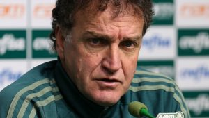 """""""Já passei por turbulências muito piores e não me entrego"""", diz Cuca no Palmeiras"""