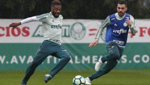 Cuca confirma Michel Bastos como titular do Palmeiras nos dois próximos jogos