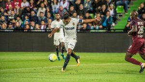 Sem Mbappé, Falcao Garcia resolve e Monaco bate recorde no Francês