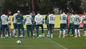 Cuca indica time titular do Palmeiras com Moisés e Guerra no meio