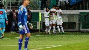Na volta ao Allianz Parque, Palmeiras perde para a Chapecoense e aumenta a crise