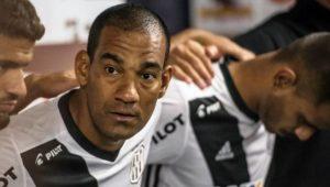 Ponte-pretano Rodrigo é suspenso por um jogo por confusão com Milton Mendes