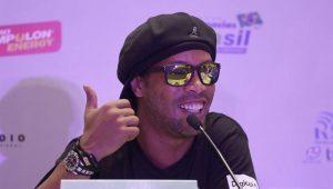 PEN tenta atrair Ronaldinho Gaúcho