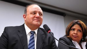 """""""Tenho de arrumar um dinheiro para o Ítalo"""", diz Vaccarezza em mensagem"""