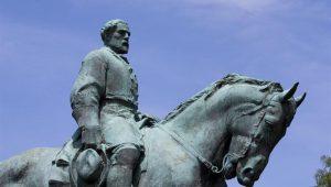 Prefeito de Charlottesville pede retirada de estátua do general Lee