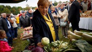 Alemanha: Merkel quer esforço de correligionários para conquistar indecisos