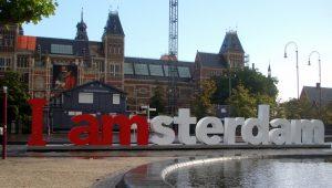 Amsterdam mistura obra de arte e engenharia arquitetônica