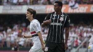 Corinthians arranca empate do São Paulo e frusta Morumbi lotado