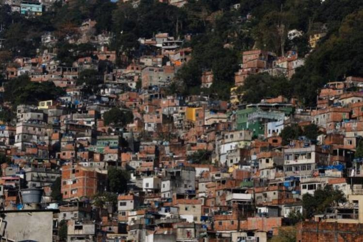 Dois policiais são feridos na Rocinha