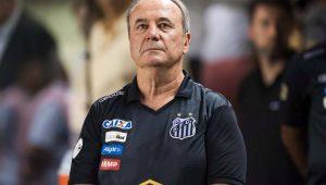 Levir prevê pressão após queda do Santos e diz que precisará motivar elenco