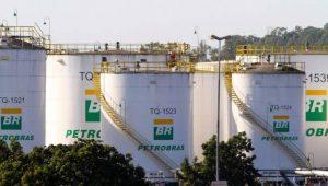 Empresas do setor de combustíveis dizem que Petrobras voltou a subsidiar preços
