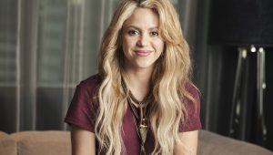 Shakira canta hit do The Cranberries no Carpool Karaoke