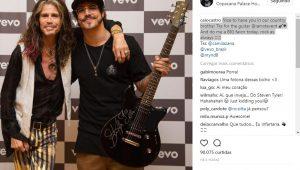 Ô sorte! Caio Castro ganha guitarra autografada de Steven Tyler