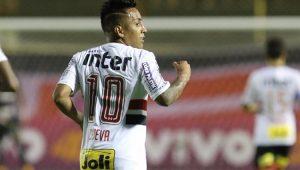 Após ajudar o Peru a ir para a Copa, Cueva se reapresenta no São Paulo no sábado