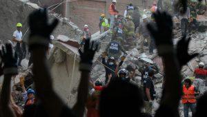 Há pessoas falando que esta seria uma prévia de um terremoto ainda pior, diz brasileira no México