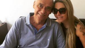 """""""Reconhecemos o que ela fez por nosso pai"""", dizem filhos sobre namorada de Marcelo Rezende"""