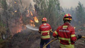 Mortos por incêndios sobem a 37 e Portugal inicia luto oficial por vítimas