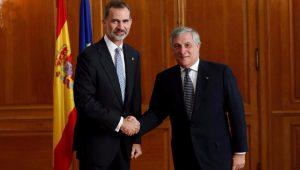 """Democracia resolverá """"inaceitável"""" tentativa de secessão, diz rei da Espanha"""