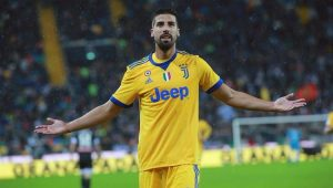 Com um a menos desde o 1º tempo, Juventus faz 6 a 2 na Udinese e sobe no Italiano