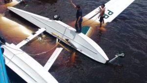 Avião do Greenpeace cai no Amazonas e uma pessoa morre