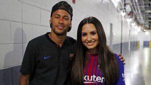 Neymar e Demi Lovato: Tá rolando?
