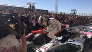 Hamilton vence em Austin e só precisa de 5º lugar no México para ser tetra