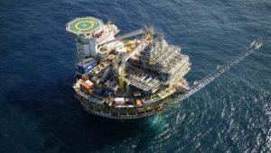 Estoques de petróleo nos EUA caem 1,855 milhão de barris na semana