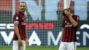 Com um a menos desde o 1º tempo, Milan segura empate com o Genoa no Italiano