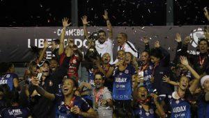 Corinthians vence Colo Colo nos pênaltis e conquista a Libertadores Feminina