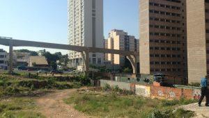 Moradores reclamam de surgimento de nova Cracolândia em terreno na zona sul de SP