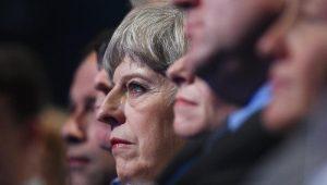Theresa May elogia decisão da UE de avançar para 2ª fase do Brexit