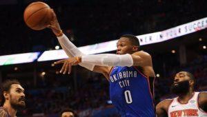 """Westbrook começa temporada com """"triple-double"""" e lidera triunfo do Thunder"""