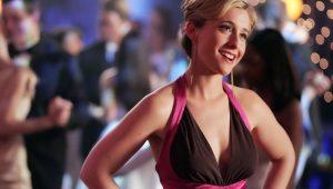 """Atriz de """"Smallville"""" é apontada como líder de culto sexual"""