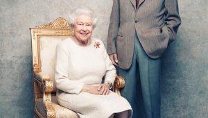 Elizabeth II e seu marido ganham novo retrato para aniversário de 70 anos de casamento