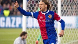 Michael Lang fez o único gol da vitória Basel 1 a 0 Manchester United