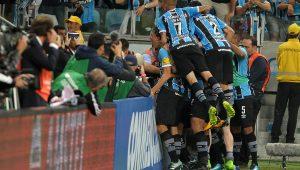 Cícero marca, Grêmio bate o Lanús e sai na frente na decisão da Copa Libertadores