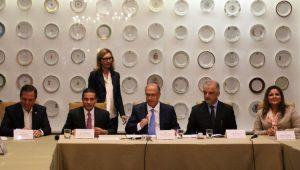 Governador de São Paulo, Geraldo Alckmin, participa de coletiva sobre o Fórum Econômico Mundial para a América Latina