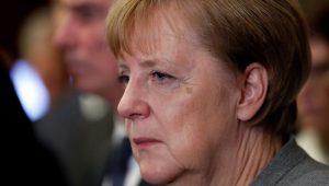 """Merkel defende diálogo rápido por """"governo estável"""" na Alemanha"""