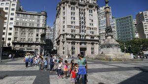 Doria quer trocar pedras portuguesas por asfalto no centro