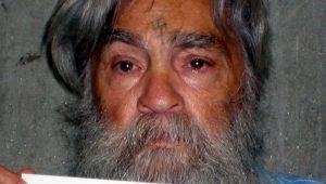 Charles Manson morre aos 83 anos na Califórnia