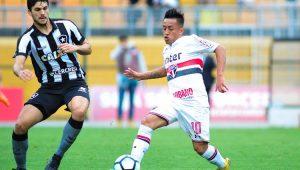 São Paulo empata sem gols com o Botafogo e esfria sonho de vaga na Libertadores