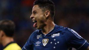 Palmeiras confirma a contratação de Diogo Barbosa, ex-lateral do Cruzeiro