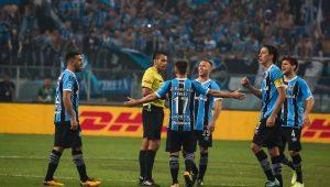 Grêmio emite nota e pede apoio da CBF em protesto por arbitragem da final