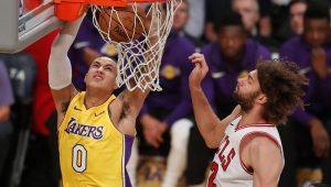 Lakers vencem Bulls e entram na zona de classificação dos playoffs