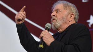 """Lula volta a desafiar Moro a """"provar um real de sua vida que não seja legal"""""""