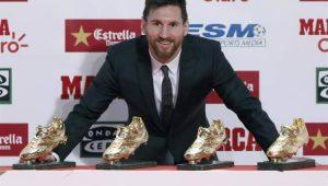 Messi recebe sua 4ª Chuteira de Ouro e divide feito com companheiros de Barcelona