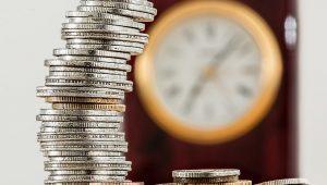 Governo do RJ termina de pagar salários atrasados de dezembro a servidores nesta segunda (15)